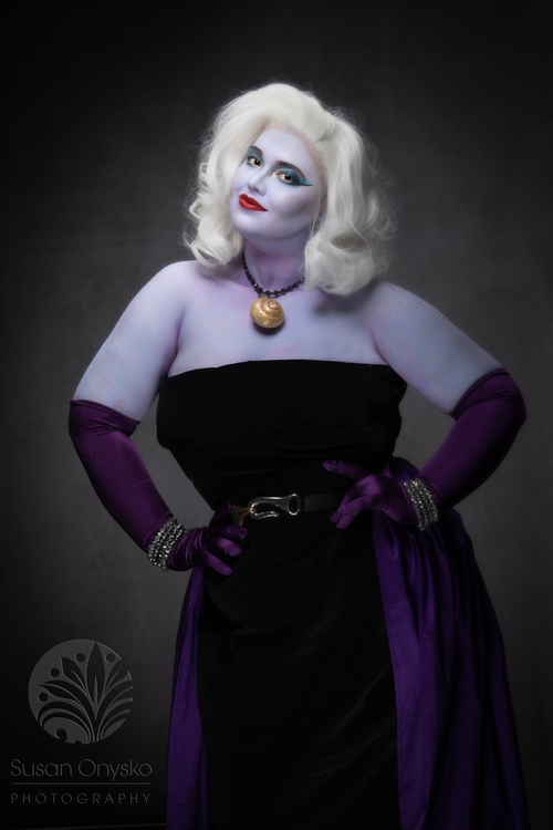 Vintage Ursula Cosplay