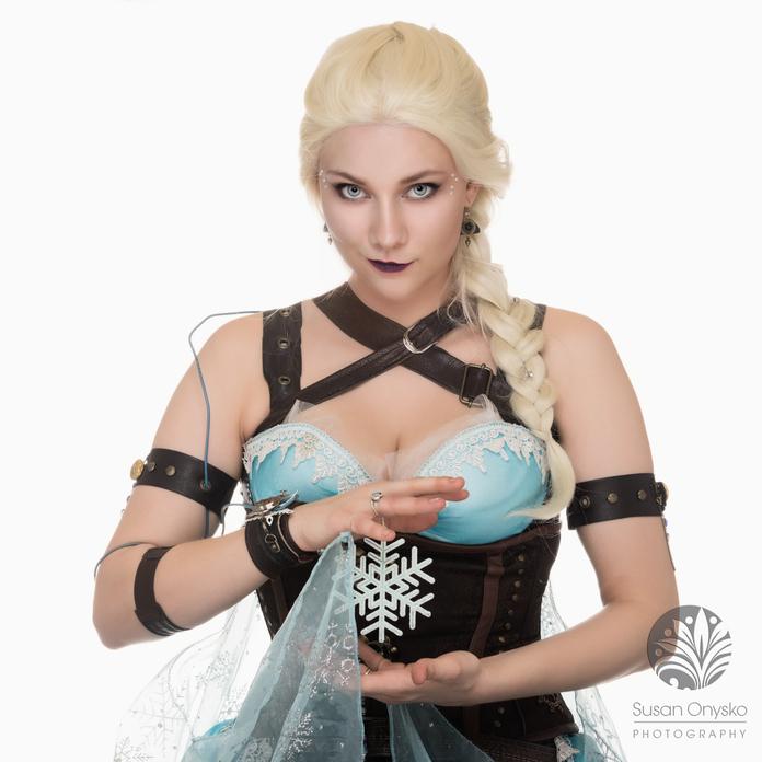Steampunk Elsa Cosplay